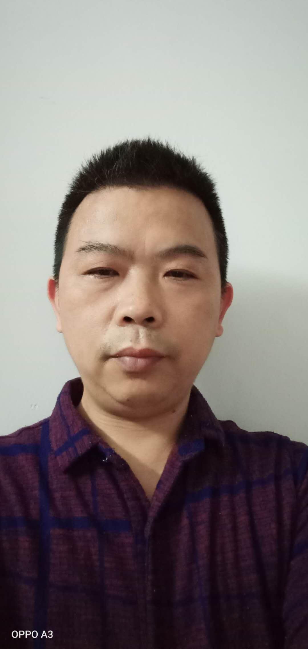 杨春明01.jpg